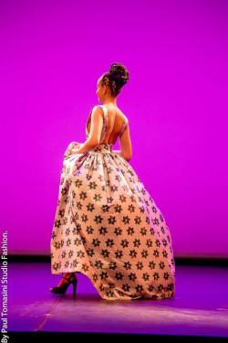 Daisy Djimbilth-robe-dos-nu